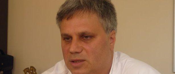 Шефът на сливенската болница д-р В. Петров: Не бива предварително да се режат глави!