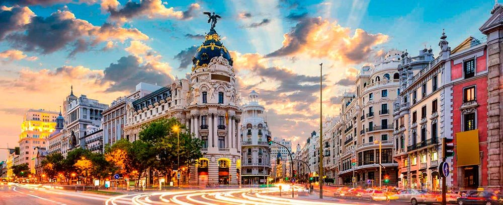Испания увеличава минималната заплата с 22%, става 1050 евро