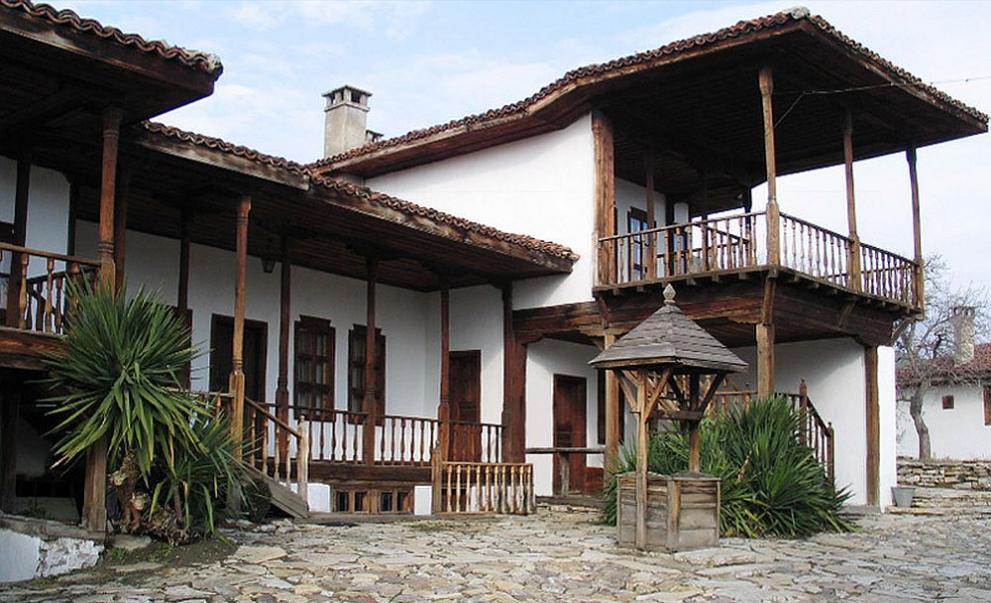 Обсъждат възможности за ремонт на къщата музей на Добри Чинтулов в Сливен