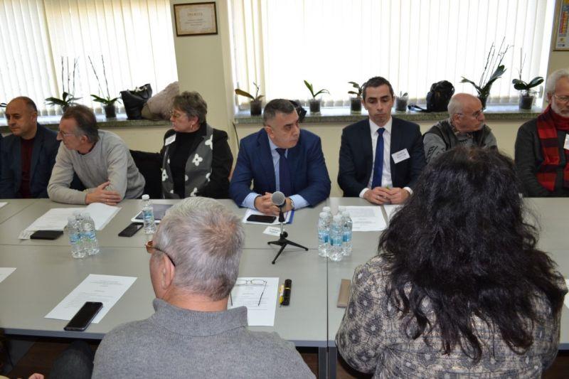 """Кметът Радев участва в учредяването на Организация за управление на туристически район ,,Долината на розите"""""""