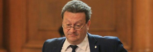 Таско наду свирката с фалшива новина, енергийната министърка го поряза