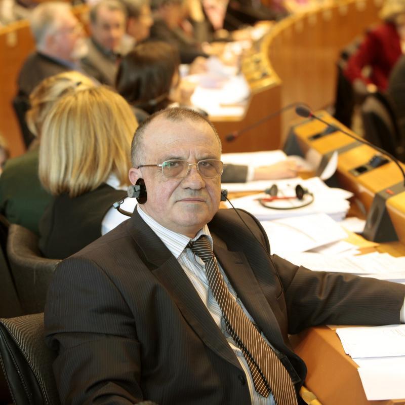 Човекът, когото Корнела избра за външен министър в правителството на БСП, е агентът на ПГУ-ДС Евгени Кирилов